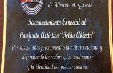 """Un homenaje por sus 20 años de andadura recibe en Albacete el Conjunto cubano """"Telón Abierto"""""""
